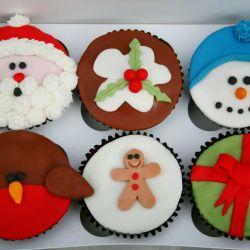 Christmas Selection 2 Cupcakes. £2