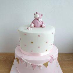 Bunt and Hearts Bear Cake