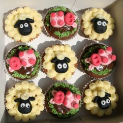 Sheep and Pig Cupcakes. £2 each
